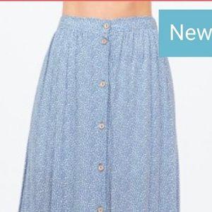 Dresses & Skirts - Falda